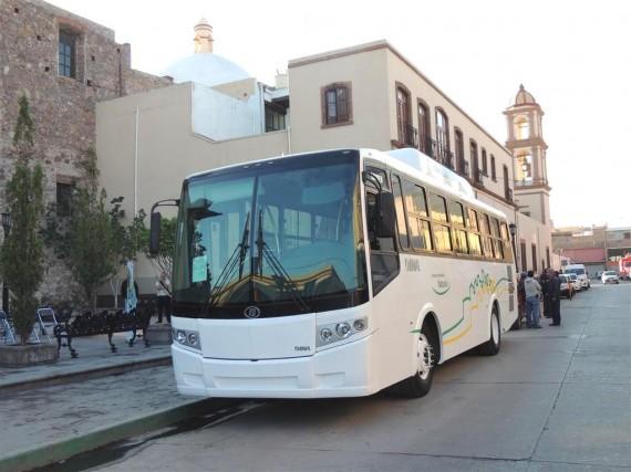 Nuevo-autobús-a-gas-natural-comprimido-de-DINA-570x427