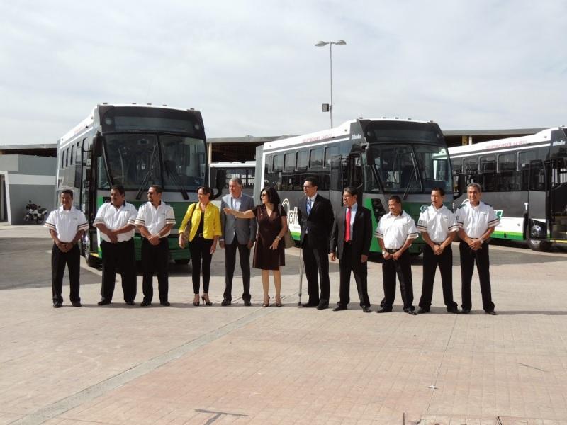 banderazo_autobus_articulado_dina_brighter_para sistema_optibus_sistema_integral_traporte_leon_guanajuato-2
