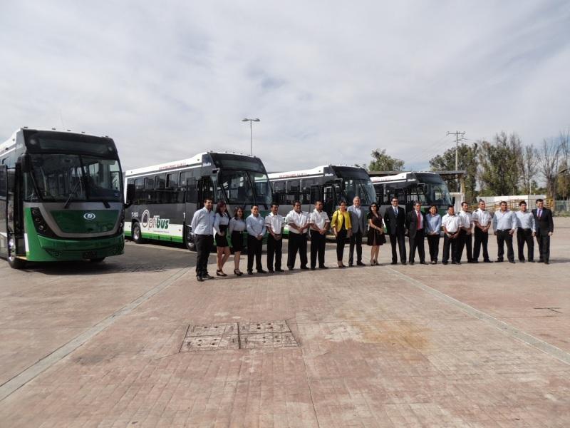 banderazo_autobus_articulado_dina_brighter_para sistema_optibus_sistema_integral_traporte_leon_guanajuato_2